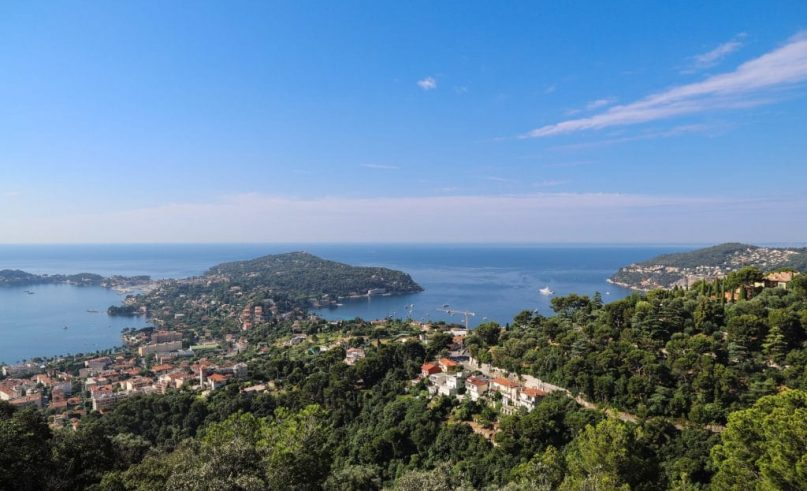 A new travel guide of the French Riviera