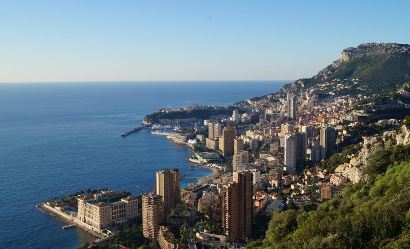 Monaco's extension to sea, an ecological approach